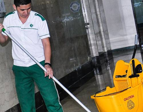choosing a janitorial agency